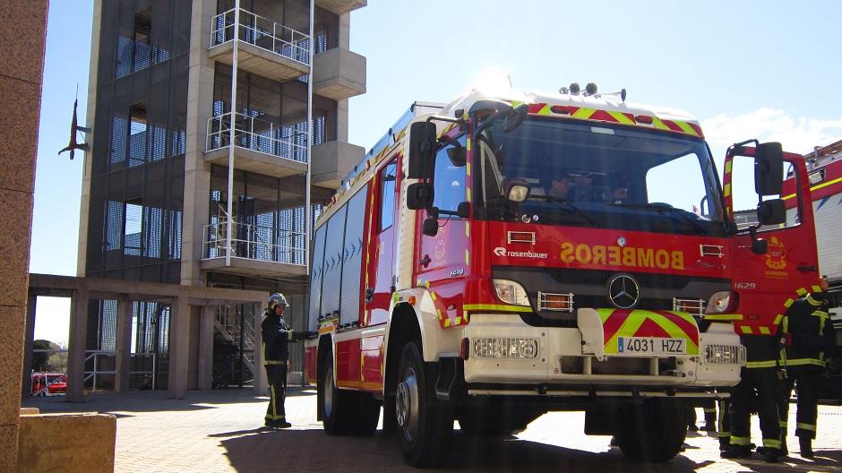 Carro urbano de bomberos. Fotografía referencial / Origen: Roadstars.Mercedes-Benz.com